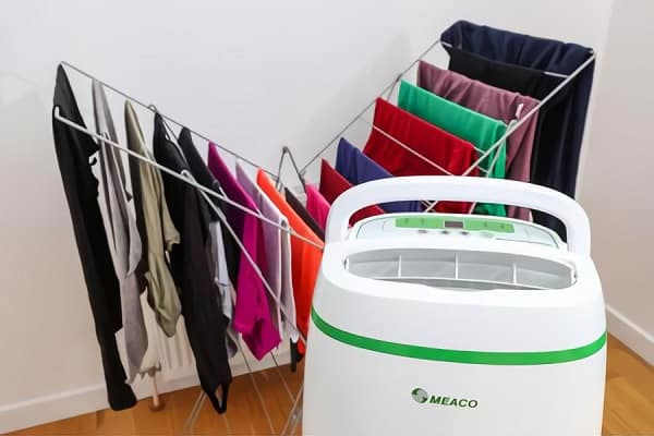 how to use a dehumidifier to dry clothes